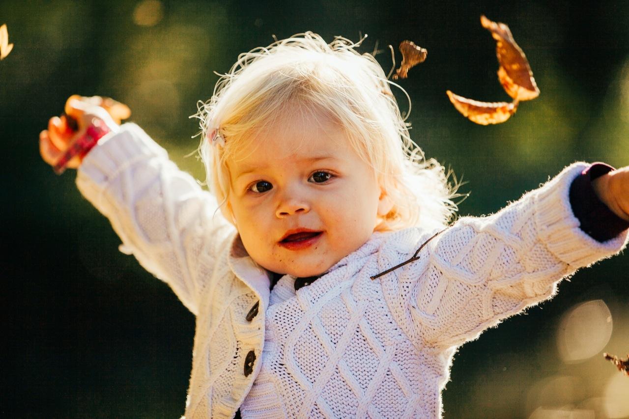 kleines Mädchen Herbst Fotos